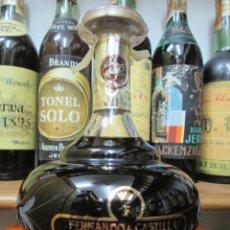 Coleccionismo de vinos y licores: ANTIGUA BOTELLA BRANDY COÑAC, FERNANDO DE CASTILLA...FERNANDO, SOLERA GRAN RESERVA. Lote 130563966