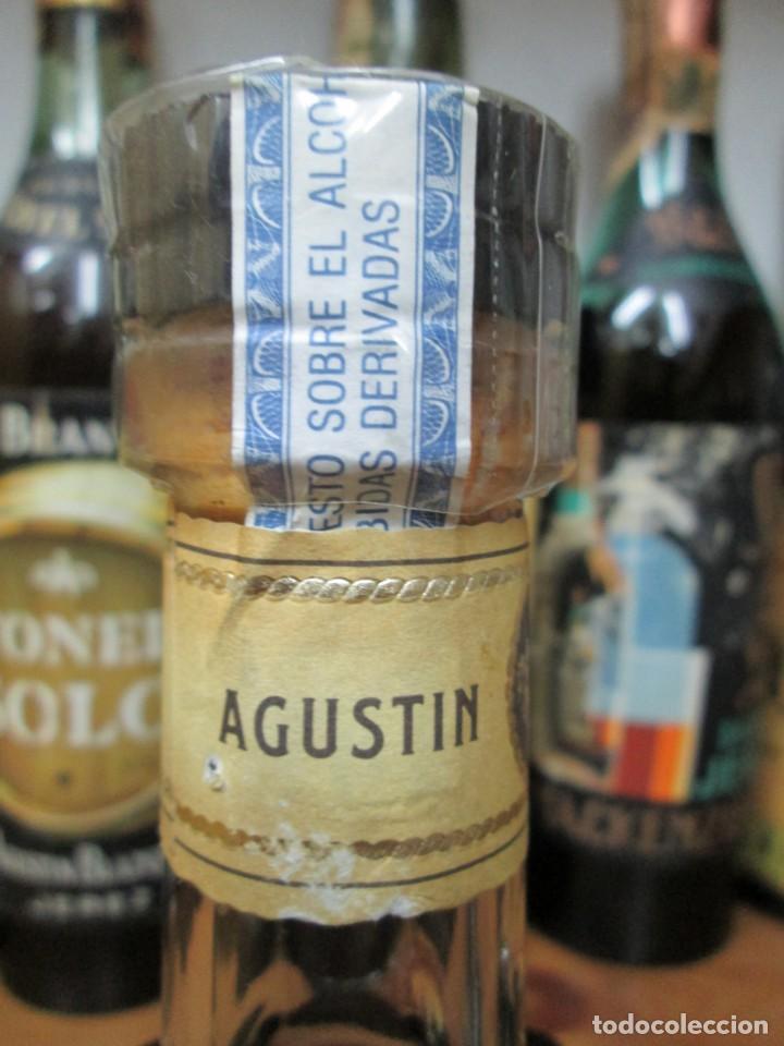 Coleccionismo de vinos y licores: ANTIGUA BOTELLA BRANDY COÑAC, TOISÒN DE ORO, SOLERA GRAN RESERVA , IMPUESTO DE 8 PTS, DECADA 80.90 - Foto 3 - 130564410