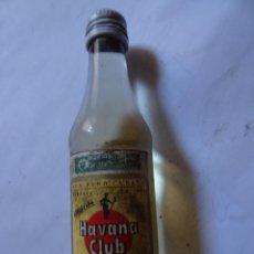 Coleccionismo de vinos y licores: ANTIGUO BOTELLÍN DE RON HAVANA CLUB 3 AÑOS, VER FOTOS. Lote 131995642
