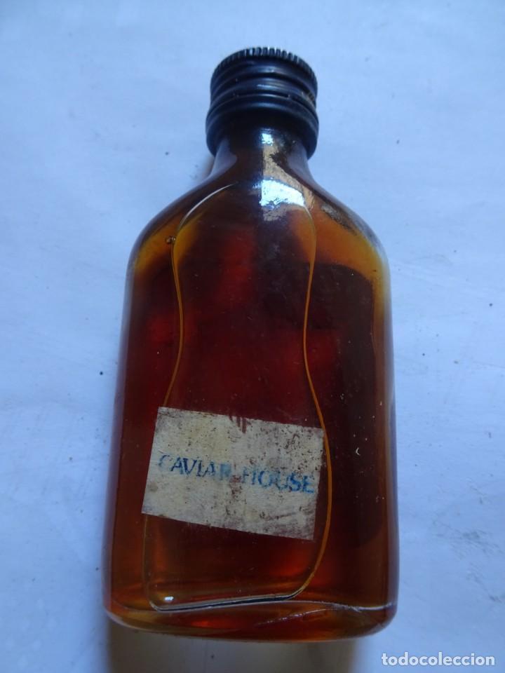 Coleccionismo de vinos y licores: ANTIGUO BOTELLÍN DE RON LAMB,S , VER FOTOS - Foto 4 - 131995802