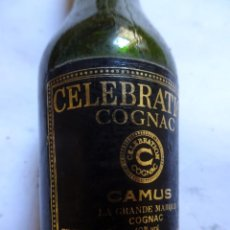 Coleccionismo de vinos y licores: ANTIGUO BOTELLÍN DE COGNAC FRANCES CELEBRATION CAMUS, VER FOTOS. Lote 131997342