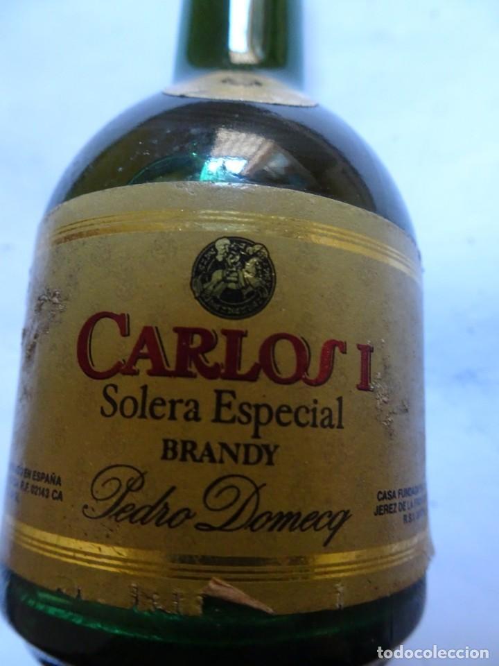 ANTIGUO BOTELLÍN DE BRANDY CARLOS I SOLERA ESPECIAL, VER FOTOS (Coleccionismo - Botellas y Bebidas - Vinos, Licores y Aguardientes)