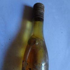 Coleccionismo de vinos y licores: ANTIGUO BOTELLÍN DE COGNAC, MARNIER LAPOSTOLLE , VER FOTOS. Lote 132001846