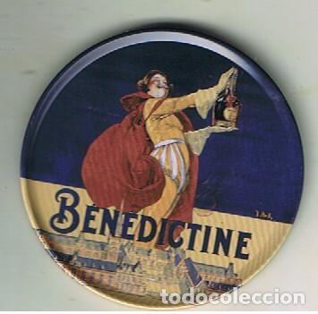 Coleccionismo de vinos y licores: CUATRO POSAVASOS METÁLICOS CON CAJA TAMBIÉN METÁLICA DEL ICOR BENEDICTINE - Foto 5 - 132793862