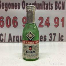 Coleccionismo de vinos y licores: BOTELLA PERNOD 45 , CON SELLO DE 50 CÉNTIMOS. Lote 133089551
