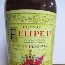 Coleccionismo de vinos y licores: BOTELLÓN DE BRANDY FELIPE II. AGUSTÍN BLAZQUEZ. 2.25 LITROS. SOLERA ESPECIAL. JEREZ DE LA FRONTERA. Lote 134145586
