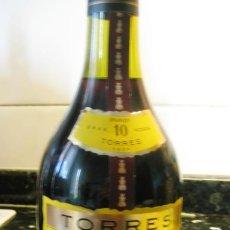 Coleccionismo de vinos y licores: BRANDY TORRES 10- GRAND ROUGE- GRAN RESERVA IMPERIAL SIN ABRIR, CON PRECINTO. Lote 135171250