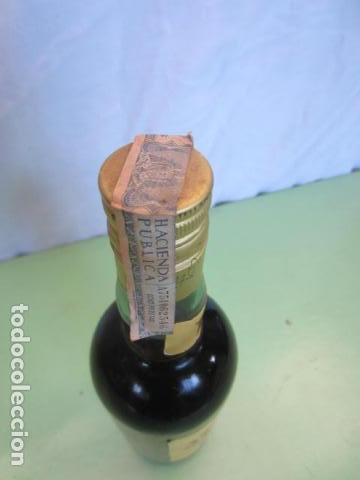 Coleccionismo de vinos y licores: ANTIGUA BOTELLA - BRANDY MAGNO OSBORNE - Foto 3 - 135776286