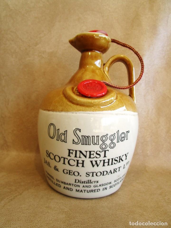 ANTIGUA BOTELLA SIN ABRIR DE WHISKY FINEST SCOTCH WHISKY OLD SMUGGLER (Coleccionismo - Botellas y Bebidas - Vinos, Licores y Aguardientes)
