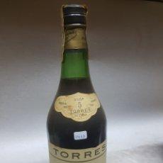 Coleccionismo de vinos y licores: LOTE 1409 BRANDY TORRES 5. Lote 136593968