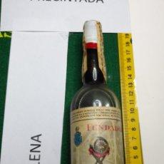 Coleccionismo de vinos y licores: DIFICIL RARA ANTIGUA BOTELLA FUNDADOR PEDRO DOMECQ JEREZ DE LA FRONTERA FUNDADOR. Lote 136930138