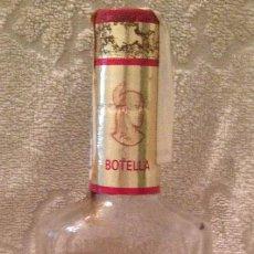 Coleccionismo de vinos y licores: RON AÑEJO CACIQUE - 70 CL. - IMPORTADO DE VENEZUELA; SELLO HACIENDA PÙBLICA. SIN ABRIR. AÑOS 70-80. Lote 137138126