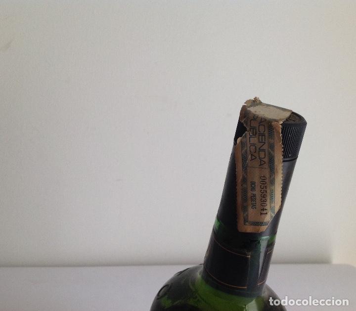 Coleccionismo de vinos y licores: Botella Whisky Catto's.Scotland. - Foto 3 - 138741546