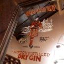 Coleccionismo de vinos y licores: ESPEJO BEEFEATER DRY GIN. LONDON. MEDIDAS15,8X12,5 CMS. Lote 139681046