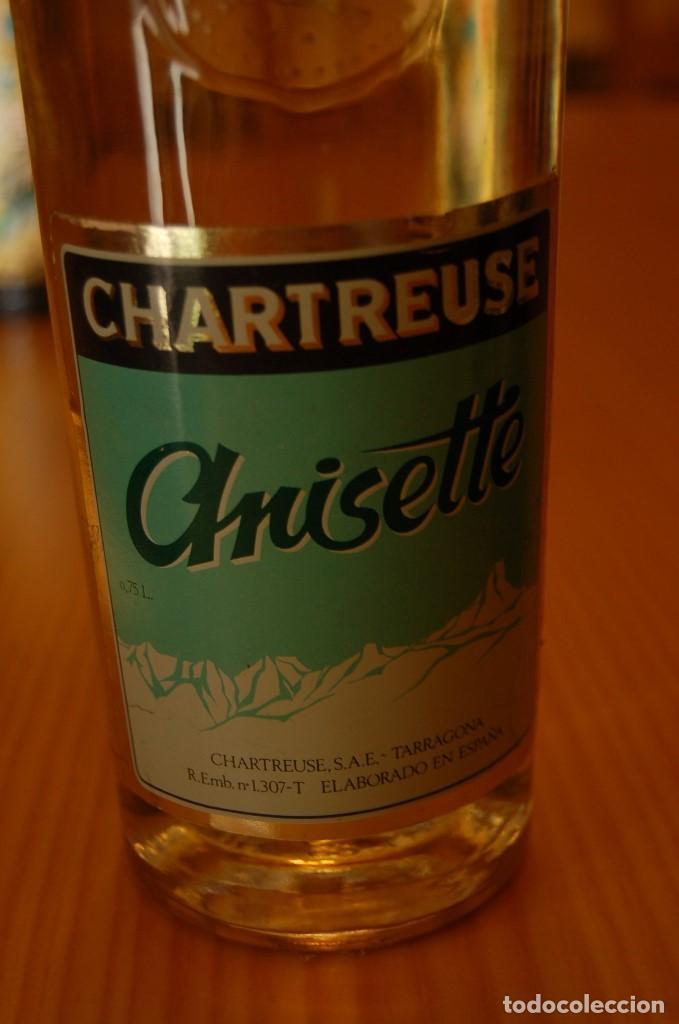 Coleccionismo de vinos y licores: VIEJA BOTELLA CHARTREUSE ANISETTE - Foto 2 - 139818854