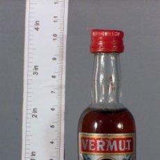 Coleccionismo de vinos y licores: BOTELLITA BOTELLIN VERMUT BODEGAS TAMAYO JEREZ. Lote 141396022