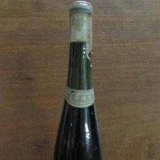 Coleccionismo de vinos y licores: VINO PERELADA 1948 EMBOTELLADO EN LAS CAVAS DEL PALACIO DE PERELADA. VIÑA CRESTA AZUL.. Lote 142061470