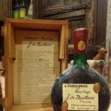 Coleccionismo de vinos y licores: BOTELLA DE COGNAC ARMAGNAC J. DE MALLIAC, HORS D'AGE, NUMERADA Y MUY ANTIGUA.. Lote 142993770