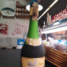 Coleccionismo de vinos y licores: ANTIGUA BOTELLA BRANDY RESERVA NAPOLEÓN. Lote 143261182