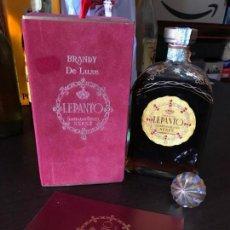Coleccionismo de vinos y licores: BRANDY DE LUXE LEPANTO 8 PTS (CON ESTUCHE). Lote 143978302