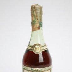 Coleccionismo de vinos y licores: BOTELLA DE COÑAC PRECINTADA, TAPÓN CORCHO - NAPOLÉON RÉSERVE. COGNAC TRÈS VIEUX - ESMOND DUPUY & CO.. Lote 144000914
