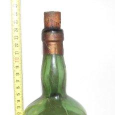 Coleccionismo de vinos y licores: CREMA DE PLATANO - JATIVA - MANUEL GARCIA - BOTELLA ANTIGUA. Lote 144496686