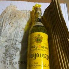 Coleccionismo de vinos y licores: BRANDY ESPAÑOL MAYORAZGO PRECINTO 40 CENTIMOS. Lote 144789133