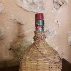 Coleccionismo de vinos y licores: RARA BOTELLA DE DRY SACK WILLIAMS Y HUMBERT. Lote 144947970