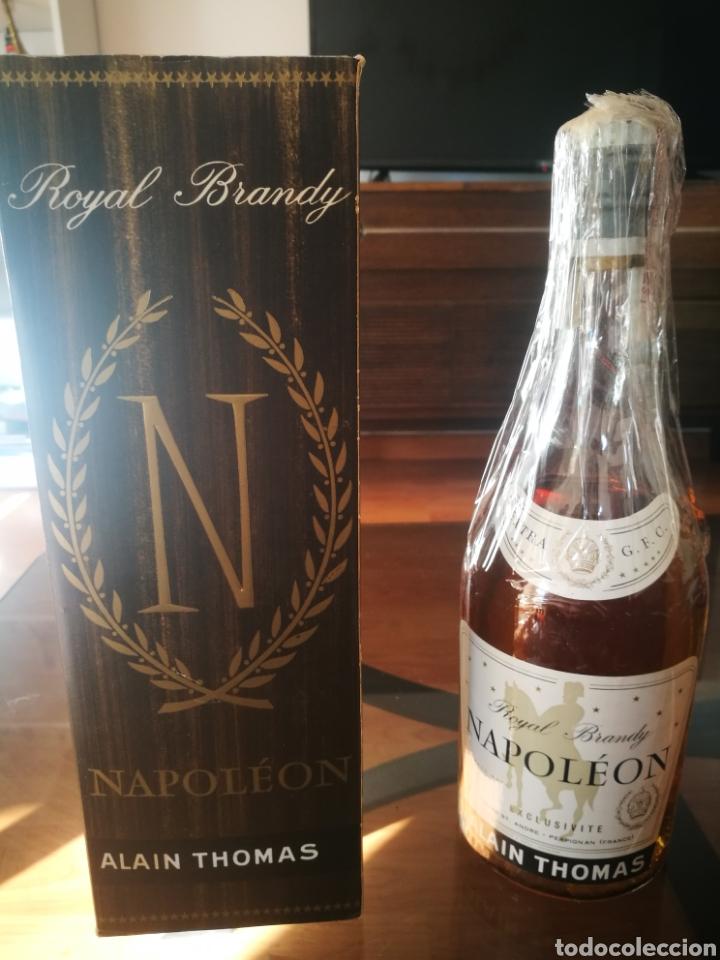 Coleccionismo de vinos y licores: Royal Brandy Napoleón (80 centímos) - Foto 2 - 145595936