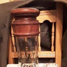 Coleccionismo de vinos y licores: DISPENSADOR DE CHUPITOS DE WHISKY. Lote 146949436