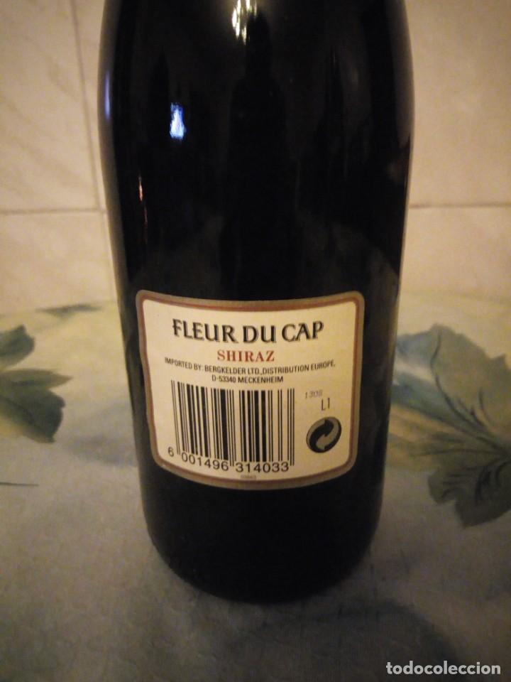 Coleccionismo de vinos y licores: Botella de vino tinto fleur du cap shiraz 1989. - Foto 4 - 147282562