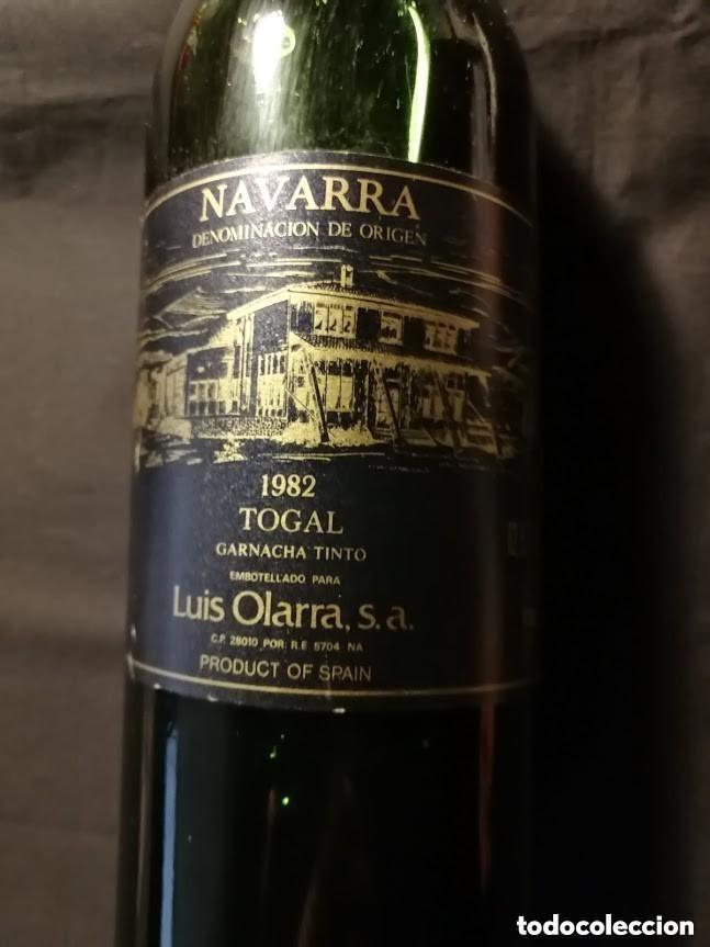 Coleccionismo de vinos y licores: BOTELLA VINO LLENA-LUIS OLARRA--1982- (Tinto)-PARA COLECCIÓN - Foto 2 - 147911150