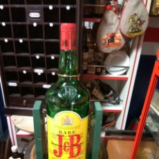 Coleccionismo de vinos y licores: WHISKY J B. CON BALANCÍN BOTELLA 3L.VACIA. Lote 148620156