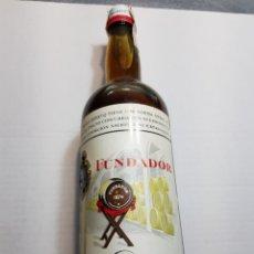 Coleccionismo de vinos y licores: BOTELLA ANTIGUA PEDRO DOMECQ AÑO 1973 PRECINTADO. Lote 149372821