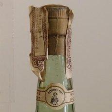 Coleccionismo de vinos y licores: ANTIGUA BOTELLA DE BRANDY RESERVA 1877,75 CL. WILLIANS HUMBERT, TIMBRE ALCOHOL 80 CENTIMOS. Lote 150347714