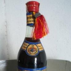Coleccionismo de vinos y licores: ANTIGUA BOTELLA DE PONCHE LA ASTURIANA. Lote 153077258