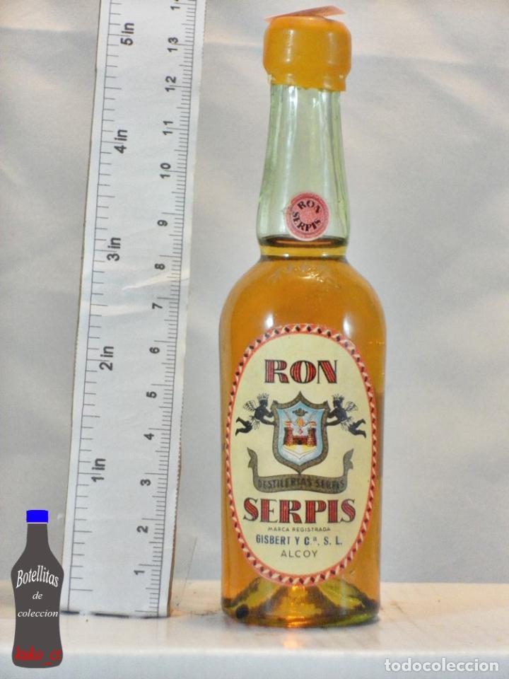 BOTELLITA BOTELLIN RON SERPIS GISBERT Y CIA S.L ALCOY (Coleccionismo - Botellas y Bebidas - Vinos, Licores y Aguardientes)