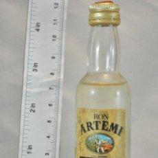 Coleccionismo de vinos y licores: BOTELLITA BOTELLIN RON ARTEMI ETIQUETA ORO DESTILERIAS ARTEMI LAS PALMAS. Lote 154444638