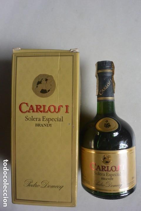 BOTELLA DE BRANDY CARLOS I SOLERA ESPECIAL BODEGAS PEDRO DOMECQ (Coleccionismo - Botellas y Bebidas - Vinos, Licores y Aguardientes)