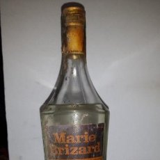 Coleccionismo de vinos y licores: ANTIGUA BOTELLA ANISETTE MARIE BRIZARD. Lote 155284462