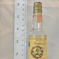 Coleccionismo de vinos y licores: BOTELLITA BOTELLIN BRANDY CARLOS I SOLERA ESPECIAL PEDRO DOMECQ JEREZ DE LA FRONTERA. Lote 155756198