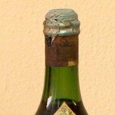 Coleccionismo de vinos y licores: BOTELLA MARTINI AÑEJO DE 1922. PRECINTADA.. Lote 155760538