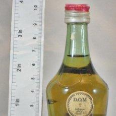 Coleccionismo de vinos y licores: BOTELLITA BOTELLIN DOM LIQUEUR BRANDY BENEDICTINE S.A. FECAMP FRANCE. Lote 155865634