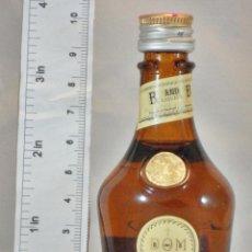 Coleccionismo de vinos y licores: BOTELLITA BOTELLIN DOM LIQUEUR BRANDY BENEDICTINE S.A. FECAMP FRANCE. Lote 155865918