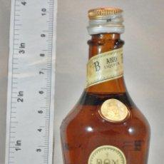 Coleccionismo de vinos y licores: BOTELLITA BOTELLIN DOM LIQUEUR BRANDY BENEDICTINE S.A. FECAMP FRANCE. Lote 155865942