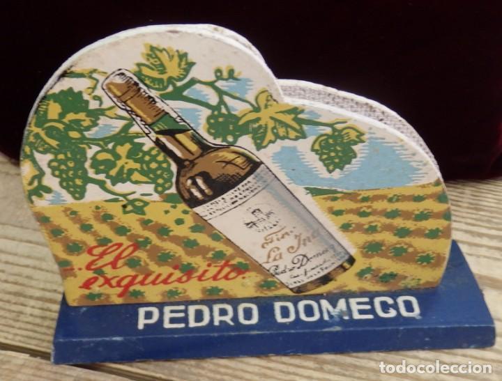 Coleccionismo de vinos y licores: ANTIGUO SERVILLETERO MADERA, PUBLICIDAD FUNDADOR PEDRO DOMECQ , FINO LA INA , ORIGINAL - Foto 2 - 157691026