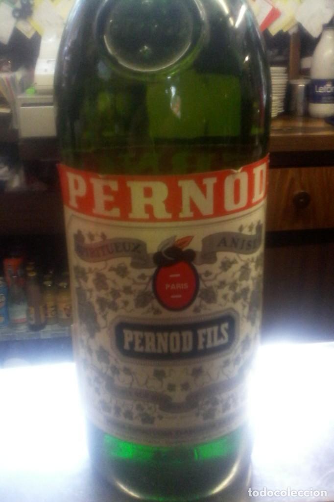 BOTELLA DE PERNOD . (Coleccionismo - Botellas y Bebidas - Vinos, Licores y Aguardientes)