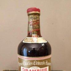 Coleccionismo de vinos y licores: ANTIGUA BOTELLA DRAMBUIE. Lote 160344030