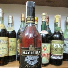 Coleccionismo de vinos y licores: ANTIGUA BOTELLA BRANDY COÑAC, MACIERA ROYAL BRANDY PORTUGAL. Lote 160702982