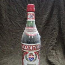 Coleccionismo de vinos y licores: ANTIGUA BOTELLA DE VINO VERMOUTH ROJO.SALVATORE A.R.S.A VILAFRANCA DEL PENEDES.. Lote 162869070